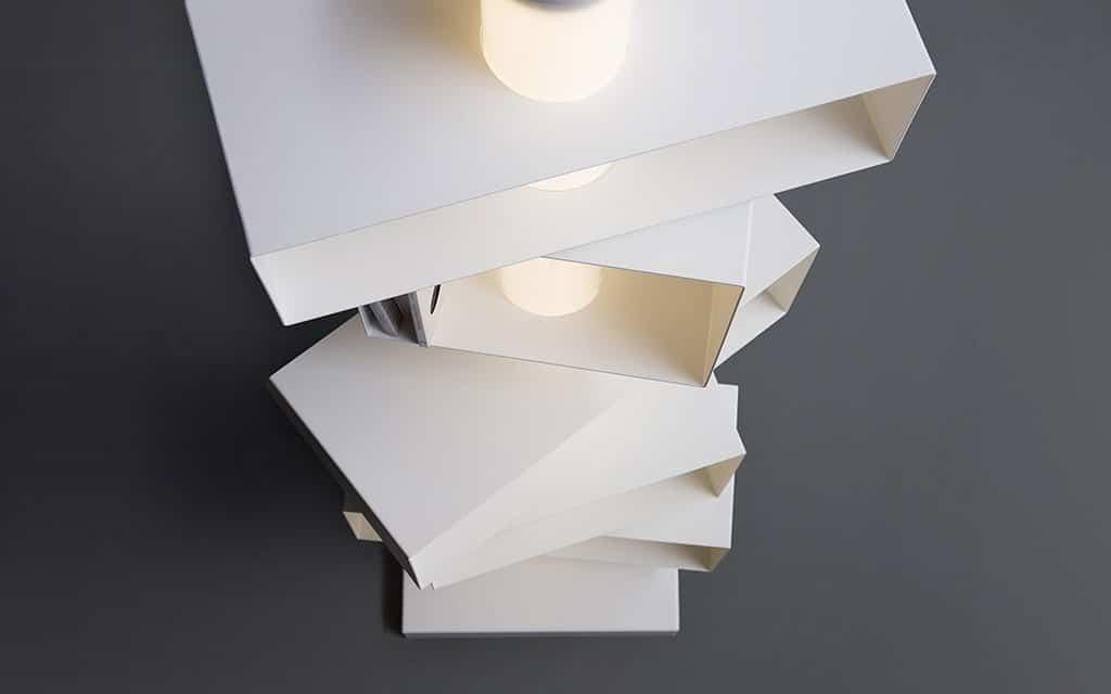 NATEVO - TWIST + LIGHT CABINET